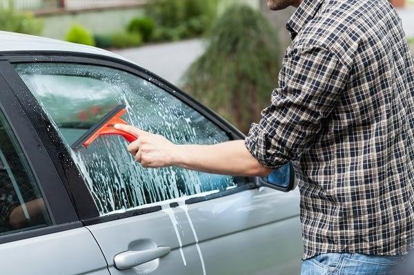 clean-glass-car