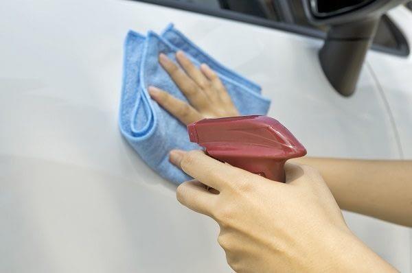 hand-waxing